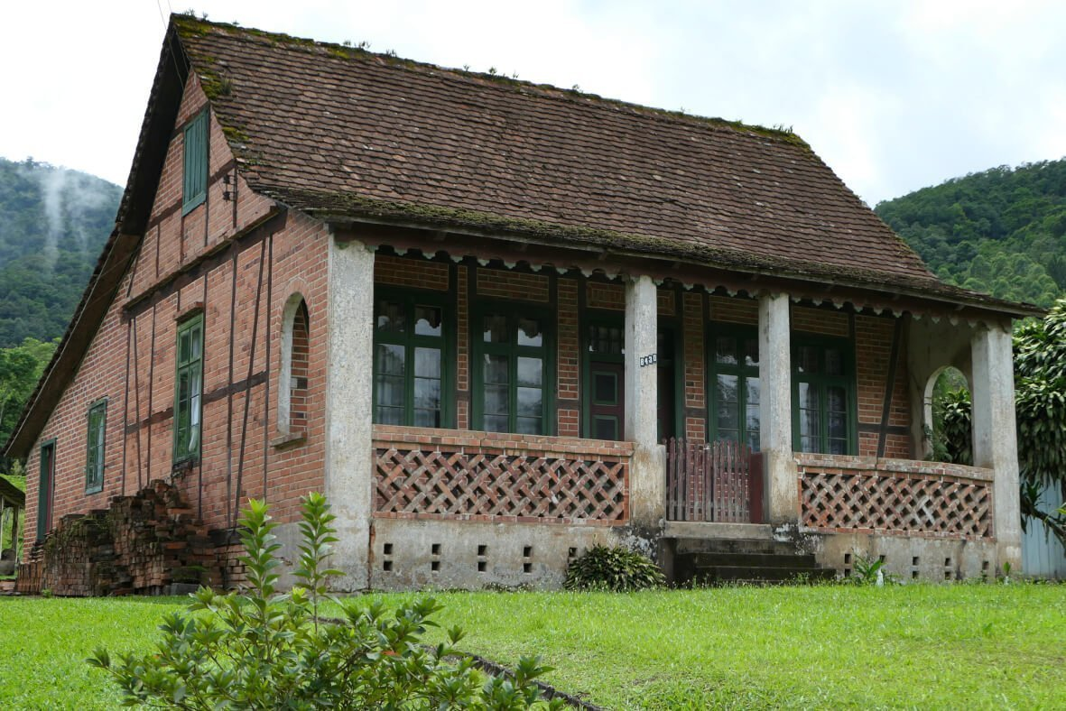 Casa Rahn, Half-timbered Route, Pomerode, Santa Catarina, Brazil 1.jpg