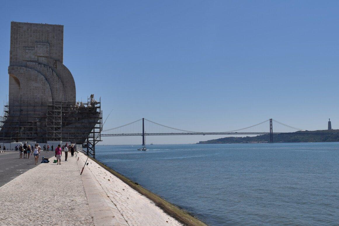Ponte 25 de Abril e Padrão dos Descobrimentos, Lisbon, Portugal